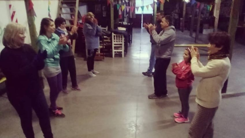 Empezaron las clases de folklore en La Vía - La Voz de Tandil